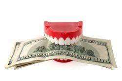 Зубы на полку! Стоматологии поднимут цены